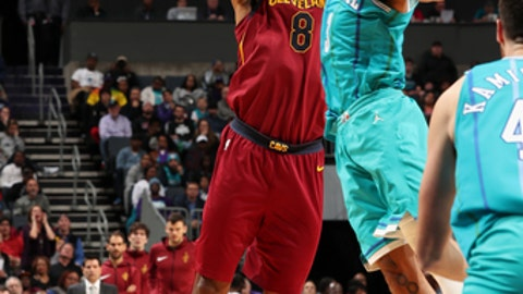 CHARLOTTE, NC - NOVEMBER 15:  Channing Frye #8 of the Cleveland Cavaliers shoots the ball against the Charlotte Hornets on November 15, 2017 at Spectrum Center in Charlotte, North Carolina. NOTE TO USER: User expressly acknowledges and agrees that, by downloading and or using this photograph, User is consenting to the terms and conditions of the Getty Images License Agreement.  Mandatory Copyright Notice:  Copyright 2017 NBAE (Photo by Kent Smith/NBAE via Getty Images)