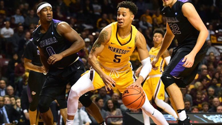 Balanced attack leads No. 14 Minnesota past Niagara