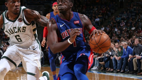 MILWAUKEE, WI - NOVEMBER 15: Reggie Jackson #1 of the Detroit Pistons handles the ball against the Milwaukee Bucks on November 15, 2017 at the BMO Harris Bradley Center in Milwaukee, Wisconsin. NOTE TO USER: User expressly acknowledges and agrees that, by downloading and or using this Photograph, user is consenting to the terms and conditions of the Getty Images License Agreement. Mandatory Copyright Notice: Copyright 2017 NBAE (Photo by Gary Dineen/NBAE via Getty Images)