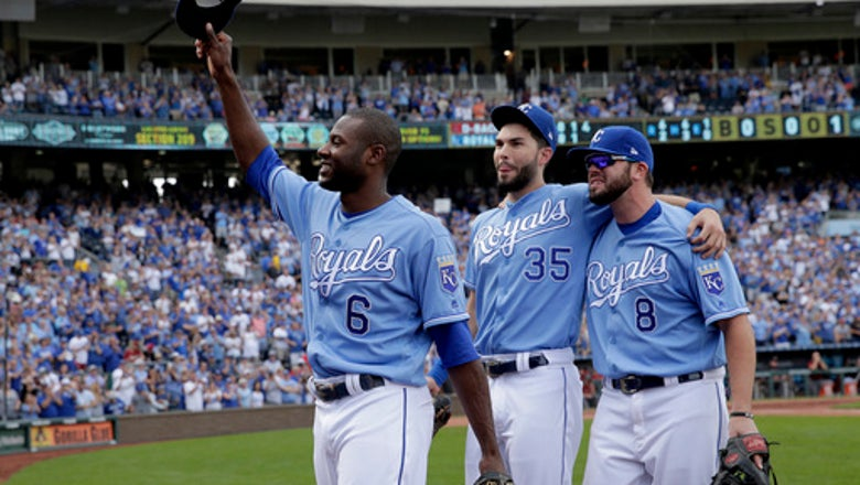 Hosmer, Moustakas, Cain, 6 others turn down $17.4M offers