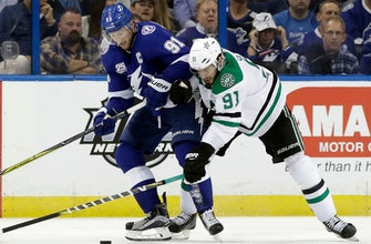 Steven Stamkos leads Lightning past Stars, 6-1