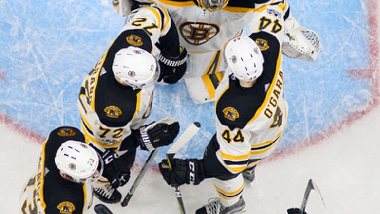 Bruins make Chara's goal hold up for 2-1 win over Kings