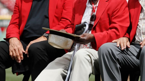 Former Cincinnati Reds player Joe Morgan waves to the crowd as he attends a statue dedication ceremony for teammate Pete Rose before a baseball game between the Cincinnati Reds and the Los Angeles Dodgers, Saturday, June 17, 2017, in Cincinnati. (AP Photo/John Minchillo)