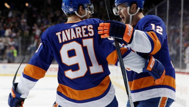 Bailey scores in OT as Islanders edge skidding Flyers 4-3