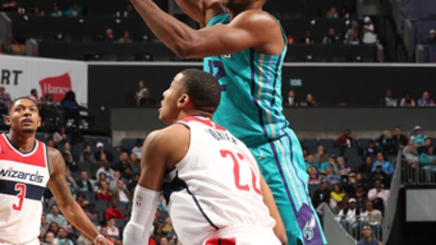 CHARLOTTE, NC - NOVEMBER 22:  Dwight Howard #12 of the Charlotte Hornets handles the ball against the Washington Wizards on November 22, 2017 at Spectrum Center in Charlotte, North Carolina. NOTE TO USER: User expressly acknowledges and agrees that, by downloading and or using this photograph, User is consenting to the terms and conditions of the Getty Images License Agreement.  Mandatory Copyright Notice:  Copyright 2017 NBAE (Photo by Kent Smith/NBAE via Getty Images)