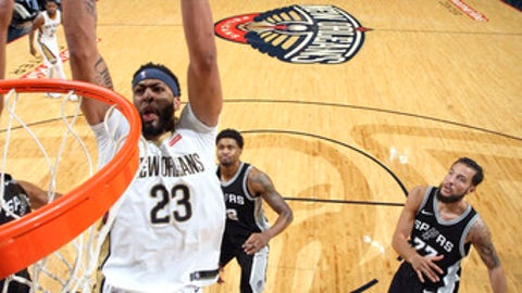 NEW ORLEANS, LA - NOVEMBER 22: Anthony Davis #23 of the New Orleans Pelicans dunks the ball during the game against the San Antonio Spurs on November 22, 2017 at Smoothie King Center in New Orleans, Louisiana. NOTE TO USER: User expressly acknowledges and agrees that, by downloading and or using this photograph, User is consenting to the terms and conditions of the Getty Images License Agreement. Mandatory Copyright Notice: Copyright 2017 NBAE (Photo by Layne Murdoch/NBAE via Getty Images)