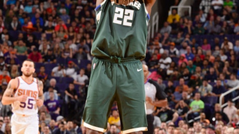 PHOENIX, AZ - NOVEMBER 22:  Khris Middleton #22 of the Milwaukee Bucks shoots the ball against the Phoenix Suns on November 22, 2017 at Talking Stick Resort Arena in Phoenix, Arizona. NOTE TO USER: User expressly acknowledges and agrees that, by downloading and or using this photograph, user is consenting to the terms and conditions of the Getty Images License Agreement. Mandatory Copyright Notice: Copyright 2017 NBAE (Photo by Barry Gossage/NBAE via Getty Images)