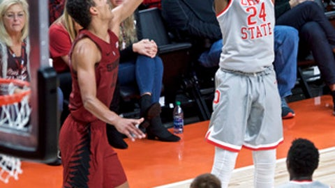 Ohio State forward Andre Wesson, right, shoots over Stanford forward Oscar da Silva during the first half of an NCAA college basketball game in the Phil Knight Invitational tournament in Portland, Ore., Friday, Nov. 24, 2017. (AP Photo/Craig Mitchelldyer)