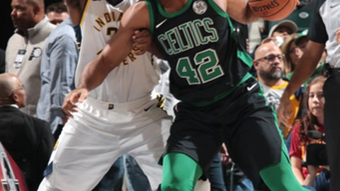 INDIANAPOLIS, IN - NOVEMBER 25: Al Horford #42 of the Boston Celtics posts up against the Indiana Pacers on November 25, 2017 at Bankers Life Fieldhouse in Indianapolis, Indiana. NOTE TO USER: User expressly acknowledges and agrees that, by downloading and or using this Photograph, user is consenting to the terms and conditions of the Getty Images License Agreement. Mandatory Copyright Notice: Copyright 2017 NBAE (Photo by Ron Hoskins/NBAE via Getty Images)