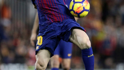 Barcelona's Lionel Messi control the ball during the Spanish La Liga soccer match between Valencia and FC Barcelona at the Mestalla stadium in Valencia, Spain, Sunday, Nov. 26, 2017. (AP Photo/Alberto Saiz)