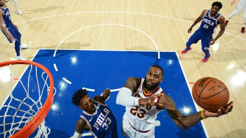 PHILADELPHIA,PA -  NOVEMBER 27 : LeBron James #23 of the Cleveland Cavaliers goes up for the layup against the Philadelphia 76ers at Wells Fargo Center on November 27, 2017 in Philadelphia, Pennsylvania NOTE TO USER: User expressly acknowledges and agrees that, by downloading and/or using this Photograph, user is consenting to the terms and conditions of the Getty Images License Agreement. Mandatory Copyright Notice: Copyright 2017 NBAE (Photo by Jesse D. Garrabrant/NBAE via Getty Images)