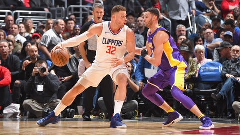 LOS ANGELES, CA - NOVEMBER 27:  Blake Griffin #32 of the LA Clippers handles the ball against the Los Angeles Lakers on November 27, 2017 at STAPLES Center in Los Angeles, California. NOTE TO USER: User expressly acknowledges and agrees that, by downloading and/or using this Photograph, user is consenting to the terms and conditions of the Getty Images License Agreement. Mandatory Copyright Notice: Copyright 2017 NBAE (Photo by Andrew D. Bernstein/NBAE via Getty Images)