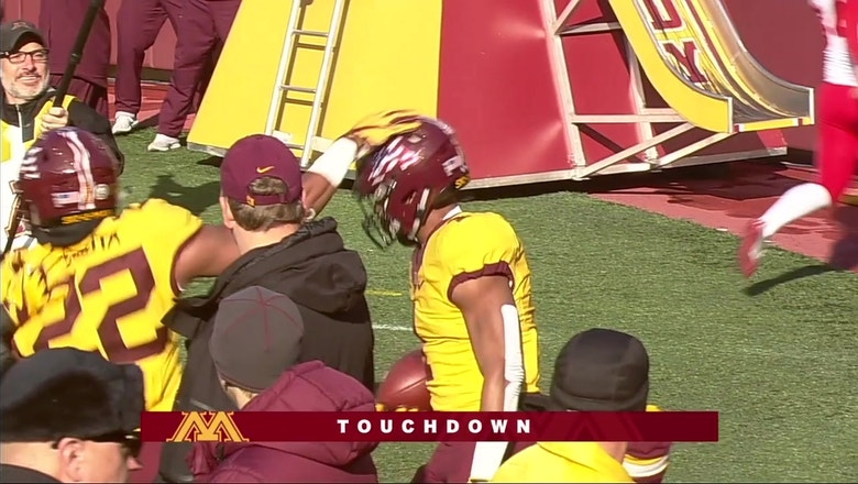The Minnesota Golden Gophers come out on fire with Rodney Smith's 100 yard kick return