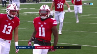 Nick 'The Quick' Nelson returns Brad Robbins's punt 50 yards for the TD as the Badgers strike first