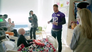 Minnesota Vikings TE Kyle Rudolph Gives Back
