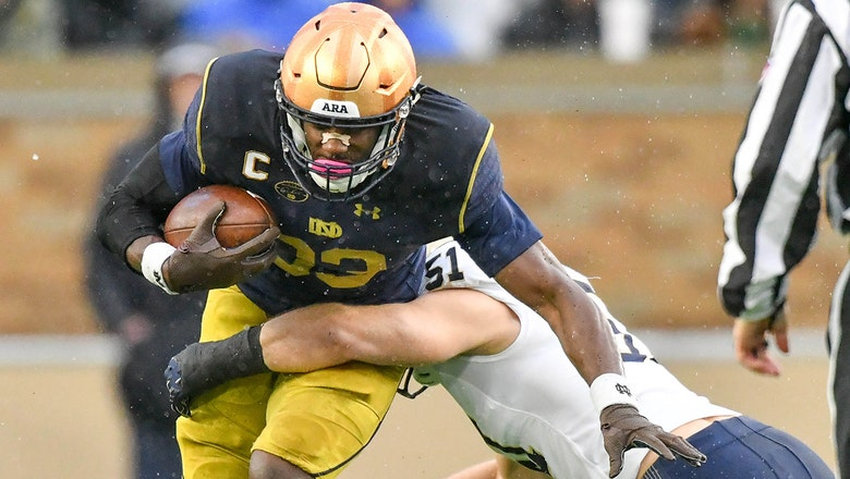 No. 8 Notre Dame bounces back with win over Navy