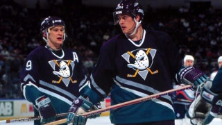 XTRA Point: Ducks legends Selanne, Kariya enshrined in Hockey HOF