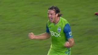 Gustav Svensson puts Seattle in front vs. Houston | 2017 MLS Playoff Highlights