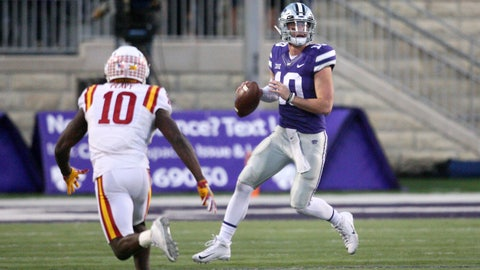 Nov 25, 2017; Manhattan, KS, USA; Kansas State Wildcats quarterback Skylar Thompson (10) looks to pass against Iowa State Cyclones defensive back Brian Peavy (10) in the second half at Bill Snyder Family Stadium. The Wildcats won the game 20-19. Mandatory Credit: Scott Sewell-USA TODAY Sports