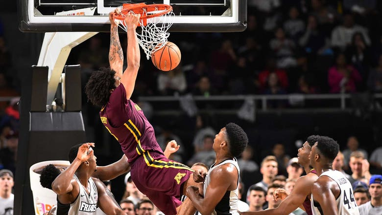 Murphy's double-double powers Gophers past Providence