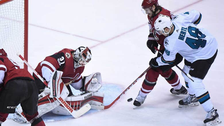 Coyotes lose Raanta to injury, suffer 3-1 defeat to Sharks