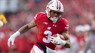 Kendric Pryor goes 32 yards on the reverse for the TD as No. 5 Wisconsin tops No. 24 Michigan 24-10