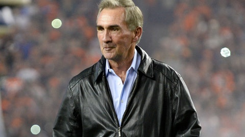 Nov 1, 2015; Denver, CO, USA; Denver Broncos former head coach Mike Shanahan before the game against the Green Bay Packers at Sports Authority Field at Mile High. Mandatory Credit: Ron Chenoy-USA TODAY Sports