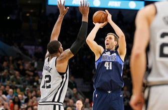 Images of Mavericks look to take down Warriors
