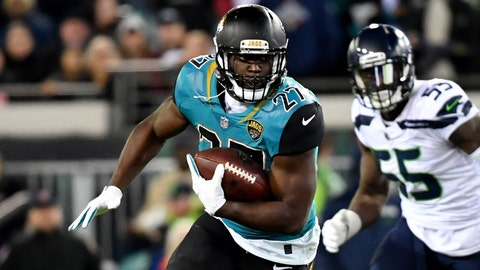 Jaguars' Leonard Fournette says a Steelers fan rear-ended him, apologized after