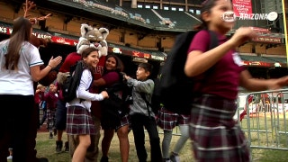 D-backs treaty 600 kids to Winter Classic at Chase Field