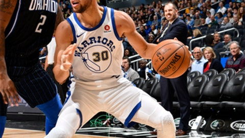 ORLANDO, FL - DECEMBER 1: Stephen Curry #30 of the Golden State Warriors handles the ball against the Orlando Magic on December 1, 2017 at Amway Center in Orlando, Florida. NOTE TO USER: User expressly acknowledges and agrees that, by downloading and or using this photograph, User is consenting to the terms and conditions of the Getty Images License Agreement. Mandatory Copyright Notice: Copyright 2017 NBAE (Photo by Fernando Medina/NBAE via Getty Images)