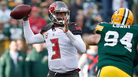 Quarterback Jameis Winston's return can't help fading Tampa Bay Buccaneers