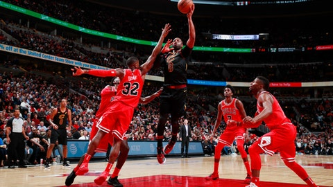 CHICAGO, IL - DECEMBER 4:  Dwyane Wade #9 of the Cleveland Cavaliers goes to the basket against the Chicago Bulls on December 4, 2017 at the United Center in Chicago, Illinois. NOTE TO USER: User expressly acknowledges and agrees that, by downloading and or using this Photograph, user is consenting to the terms and conditions of the Getty Images License Agreement. Mandatory Copyright Notice: Copyright 2017 NBAE (Photo by Jeff Haynes/NBAE via Getty Images)