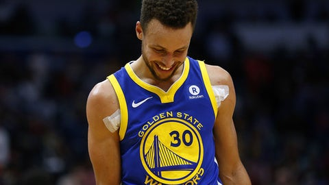 NEW ORLEANS, LA - DECEMBER 04: Stephen Curry #30 of the Golden State Warriors reacts during the second half of a game against the New Orleans Pelicans at the Smoothie King Center on December 4, 2017 in New Orleans, Louisiana. NOTE TO USER: User expressly acknowledges and agrees that, by downloading and or using this Photograph, user is consenting to the terms and conditions of the Getty Images License Agreement.  (Photo by Jonathan Bachman/Getty Images)