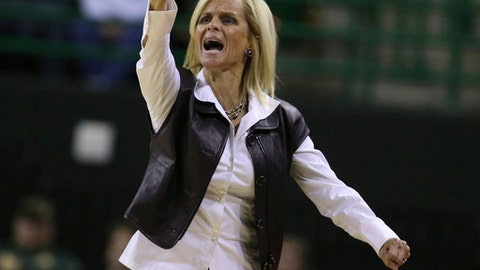 Baylor coach Kim Mulkey points to the clock during a play against North Dakota in the first half of an NCAA college basketball game Tuesday, Dec. 5, 2017, in Waco, Texas. (Rod Aydelotte/Waco Tribune Herald via AP)