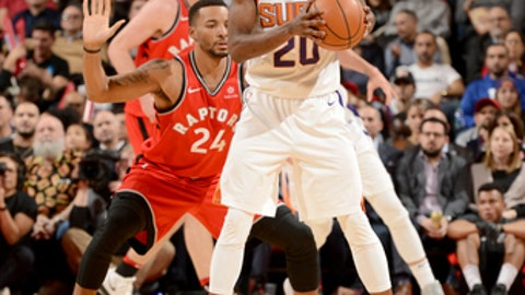 TORONTO, CANADA - DECEMBER 5:  Josh Jackson #20 of the Phoenix Suns handles the ball against the Toronto Raptors on December 5, 2017 at the Air Canada Centre in Toronto, Ontario, Canada.  NOTE TO USER: User expressly acknowledges and agrees that, by downloading and or using this Photograph, user is consenting to the terms and conditions of the Getty Images License Agreement.  Mandatory Copyright Notice: Copyright 2017 NBAE (Photo by Ron Turenne/NBAE via Getty Images)