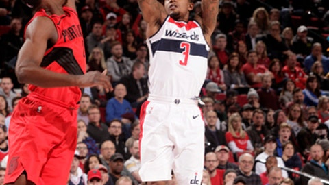 PORTLAND, OR - DECEMBER 5:  Bradley Beal #3 of the Washington Wizards shoots the ball against the Portland Trail Blazers on December 5, 2017 at the Moda Center in Portland, Oregon. NOTE TO USER: User expressly acknowledges and agrees that, by downloading and or using this Photograph, user is consenting to the terms and conditions of the Getty Images License Agreement. Mandatory Copyright Notice: Copyright 2017 NBAE (Photo by Cameron Browne/NBAE via Getty Images)