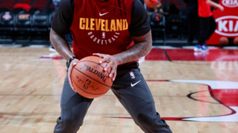 CHICAGO, IL - DECEMBER 4:  Isaiah Thomas #3 of the Cleveland Cavaliers warms up before the game against the Chicago Bulls on December 4, 2017 at the United Center in Chicago, Illinois. NOTE TO USER: User expressly acknowledges and agrees that, by downloading and or using this Photograph, user is consenting to the terms and conditions of the Getty Images License Agreement. Mandatory Copyright Notice: Copyright 2017 NBAE (Photo by Jeff Haynes/NBAE via Getty Images)