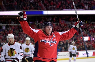 Tom Wilson, Alex Ovechkin help Capitals rout Blackhawks 6-2