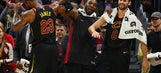 LeBron hits big 3, scores 32 as Cavaliers win 13th straight