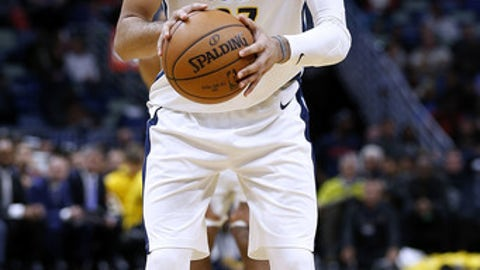 NEW ORLEANS, LA - DECEMBER 06:  Jamal Murray #27 of the Denver Nuggets shoots the ball during the second half of a game against the New Orleans Pelicans at the Smoothie King Center on December 6, 2017 in New Orleans, Louisiana. NOTE TO USER: User expressly acknowledges and agrees that, by downloading and or using this Photograph, user is consenting to the terms and conditions of the Getty Images License Agreement.  (Photo by Jonathan Bachman/Getty Images) *** Local Caption *** Jamal Murray