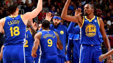 AUBURN HILLS, MI - DECEMBER 8:  Kevin Durant #35 and Omri Casspi #18 of the Golden State Warriors high five during the game against the Detroit Pistons on December 8, 2017 at Little Caesars Arena in Detroit, Michigan. NOTE TO USER: User expressly acknowledges and agrees that, by downloading and/or using this photograph, User is consenting to the terms and conditions of the Getty Images License Agreement. Mandatory Copyright Notice: Copyright 2017 NBAE (Photo by Chris Schwegler/NBAE via Getty Images)