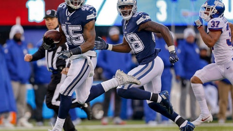 Dallas Cowboys running back Rod Smith (45) runs for a touchdown against the New York Giants during the fourth quarter of an NFL football game, Sunday, Dec. 10, 2017, in East Rutherford, N.J. (AP Photo/Adam Hunger)