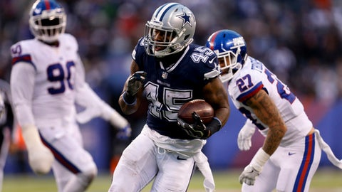 Dallas Cowboys running back Rod Smith (45) runs for a touchdown against the New York Giants during the fourth quarter of an NFL football game, Sunday, Dec. 10, 2017, in East Rutherford, N.J. The Cowboys won 30-10.(AP Photo/Adam Hunger)