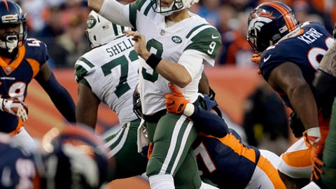 New York Jets quarterback Bryce Petty (9) throws against the Denver Broncos during the second half of an NFL football game, Sunday, Dec. 10, 2017, in Denver. (AP Photo/Jack Dempsey)