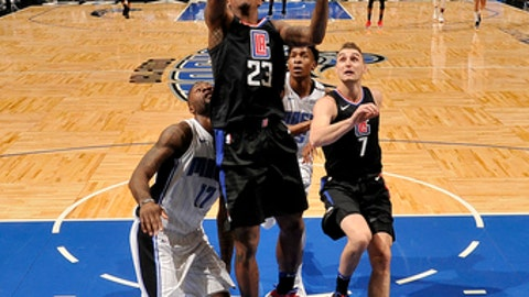 ORLANDO, FL - DECEMBER 13:  Lou Williams #23 of the LA Clippers shoots the ball against the Orlando Magic on December 13, 2017 at Amway Center in Orlando, Florida. NOTE TO USER: User expressly acknowledges and agrees that, by downloading and or using this photograph, User is consenting to the terms and conditions of the Getty Images License Agreement. Mandatory Copyright Notice: Copyright 2017 NBAE (Photo by Fernando Medina/NBAE via Getty Images)