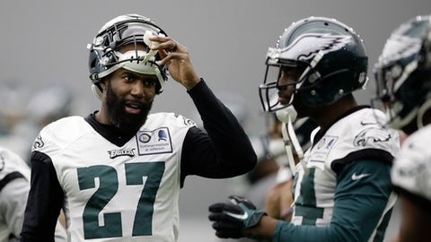 Philadelphia Eagles' Malcolm Jenkins speaks with teammates during practice at the team's NFL football training facility in Philadelphia, Thursday, Dec. 14, 2017. (AP Photo/Matt Rourke)