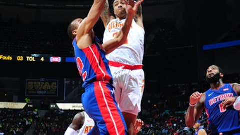 ATLANTA, GA - DECEMBER 14: John Collins #20 of the Atlanta Hawks defends against the Detroit Pistons on December 14, 2017 at Philips Arena in Atlanta, Georgia. NOTE TO USER: User expressly acknowledges and agrees that, by downloading and/or using this Photograph, user is consenting to the terms and conditions of the Getty Images License Agreement. Mandatory Copyright Notice: Copyright 2017 NBAE (Photo by Scott Cunningham/NBAE via Getty Images)