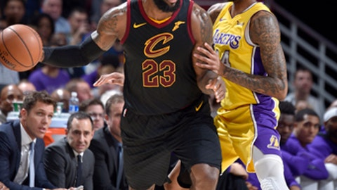 CLEVELAND, OH - DECEMBER 14: LeBron James #23 of the Cleveland Cavaliers handles the ball against the Los Angeles Lakers on December 14, 2017 at Quicken Loans Arena in Cleveland, Ohio. NOTE TO USER: User expressly acknowledges and agrees that, by downloading and/or using this photograph, user is consenting to the terms and conditions of the Getty Images License Agreement. Mandatory Copyright Notice: Copyright 2017 NBAE (Photo by David Liam Kyle/NBAE via Getty Images)