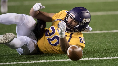 Mary Hardin-Baylor's Jonel Reed (20) fails to catch pass against Mount Union during first half of the Amos Alonzo Stagg Bowl NCAA Division III college football championship, Friday, Dec. 15, 2017 in Salem, Va. (AP Photo/Lee Luther Jr.)